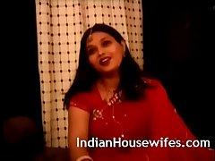 Indian housewife namrita rani sari stripping masturbation porn