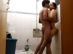 Indian sister ko bathroom me pakda or taang dia